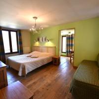 Hotel Pictures: Les Lodges du Lac, Saint-Alban-de-Montbel