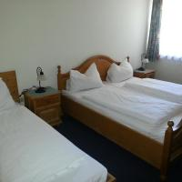 Triple Room with Shared Shower and Toilet