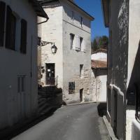 Hotel Pictures: Hopital Saint Francois, Aubeterre-sur-Dronne