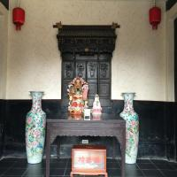 Two bedroom Suite with Chinese Style Bed