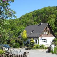 Hotel Pictures: Apartment Am Waldrand 2, Freital