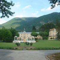 Hotel Pictures: Au Château Près Du Ventoux Vi, Montbrun-les-Bains