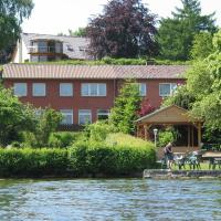 Hotel Pictures: Gasthof am See, Seedorf