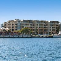 Hotel Pictures: Riverside Holiday Apartments, Ballina