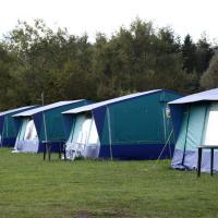Tent (5 Adults)