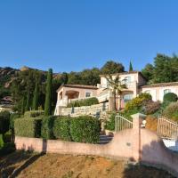 Hotel Pictures: Family Villa Cote d'Azur, Agay - Saint Raphael