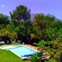 Hotel Pictures: Vllla-Piscine-Campagne Aix-en-Provence, Jouques