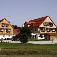 Hotel Pictures: Landgasthof - Hotel Reindlschmiede, Bad Heilbrunn