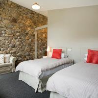 Deluxe Three-Bedroom Chalet