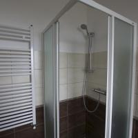 Interconnecting Room with Private External Bathroom
