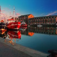 Hotel Pictures: Hafenhotel Meereszeiten, Heiligenhafen