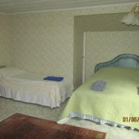 Triple Room with Shared Shower