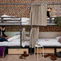 Bed in a 8-Bed Mixed Dormitory Room with Shared Bathroom