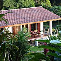 Hotel Pictures: La Ceiba Tree Lodge, Nuevo Arenal