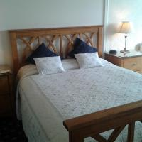 Double Room Ensuite with Mountain View (Room 6)