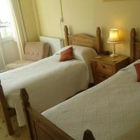 Twin Ensuite Room with Shower Room 5
