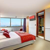 Suite with Partial Sea View