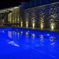Luxurious Villa Kastro with Salt Water Swimming Pool