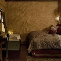 Basic King Room with Spa Bath - Non-Smoking