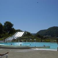 Hotel Pictures: Sites et Paysages Domaine la Roche d'Ully, Ornans