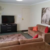 Large Two-Bedroom Apartment - Upstairs