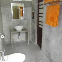 Double Room with Balcony and Sea View (Room 4)
