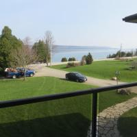 Hotel Pictures: Bayview Cottages, Wiarton