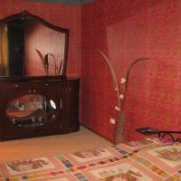 Hotel Pictures: Komsomolskaya Apartment, Baranavichy