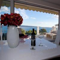 Luxury One-Bedroom Apartment with Sea View 3rd Floor