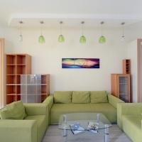 Two-Bedroom Apartment (6 Adults) on Basseynaya Street 13