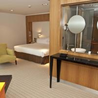 Double or Twin Room with Sitting Area