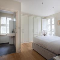 Two-Bedroom Apartment with Balcony - Cranley Mews V