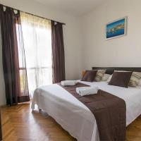 Two-Bedroom Apartment with Balcony and Sea View (6 Adults)