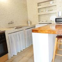 Hotel Pictures: Astbury Apartments Es Calo Village, Es Calo