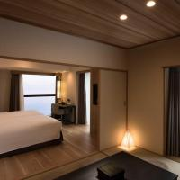 Corner Room with Ocean View (5 Adults)