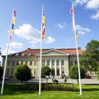 Hotel Pictures: Hotelli-Ravintola Mäntän Klubi, Mänttä