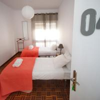 Twin Room with Balcony and Shared Bathroom