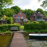 Hotelbilleder: Ferienwohnungen Himmelsstübchen und Gartenstübchen, Plön