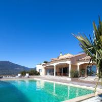 Hotel Pictures: Squarebreak - Villa with Panoramic View, Viggianello