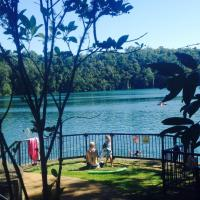 Hotel Pictures: Eacham Escapes, Lake Eacham