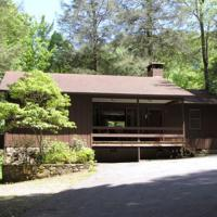 Three-Bedroom Cabin - 17