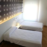 Double Room 2 beds with Private Bathroom