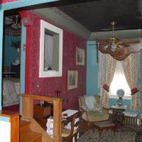 Queen Bed 2 Room Spa Bath