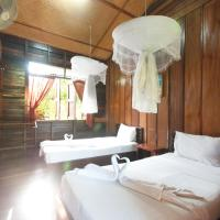 Standard Twin Room with Fan and Shared Bathroom
