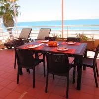 Hotel Pictures: Anforas Mar Duplex, Torredembarra