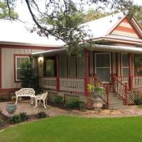 South Austin Cottage by TurnKey Vacation Rentals