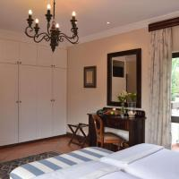 Luxury Double or Twin Room with Pool View