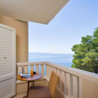 Luxury Studio Apartment with Balcony and Side Sea View