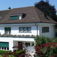Hotel Pictures: Bed & Breakfast Chez Olivia et Pascal, Riehen