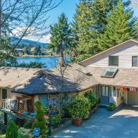 Hotel Pictures: Long Lake Waterfront Bed and Breakfast, Nanaimo